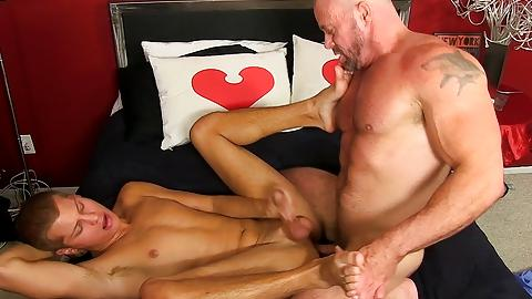 Hunky gay hot lovers fuck hardgrnfather