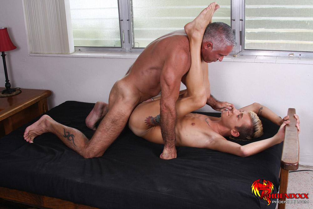 free hot gay hentai pics