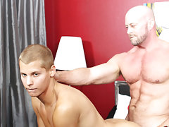 free video of hung gay men swallowing cum