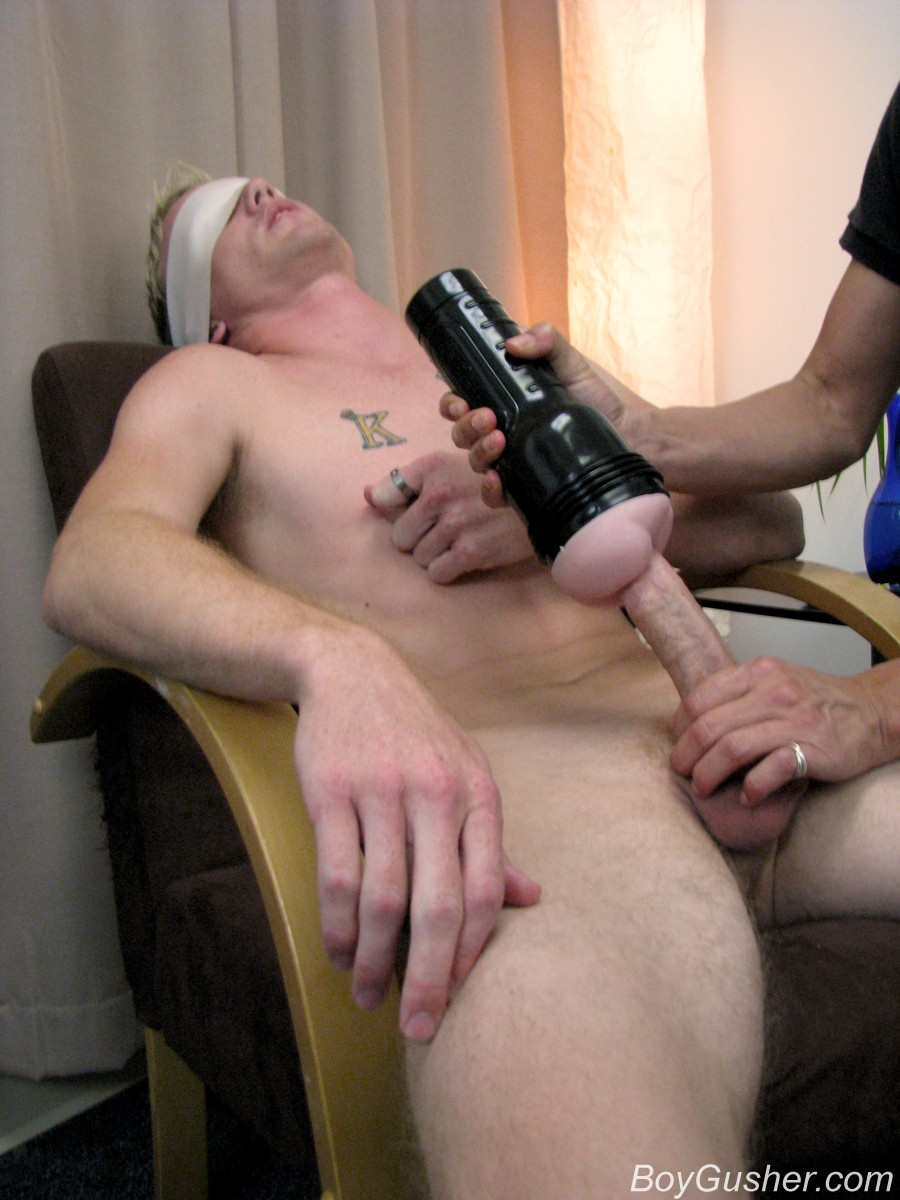 Queer Boy Masturbating His Hard Wanger