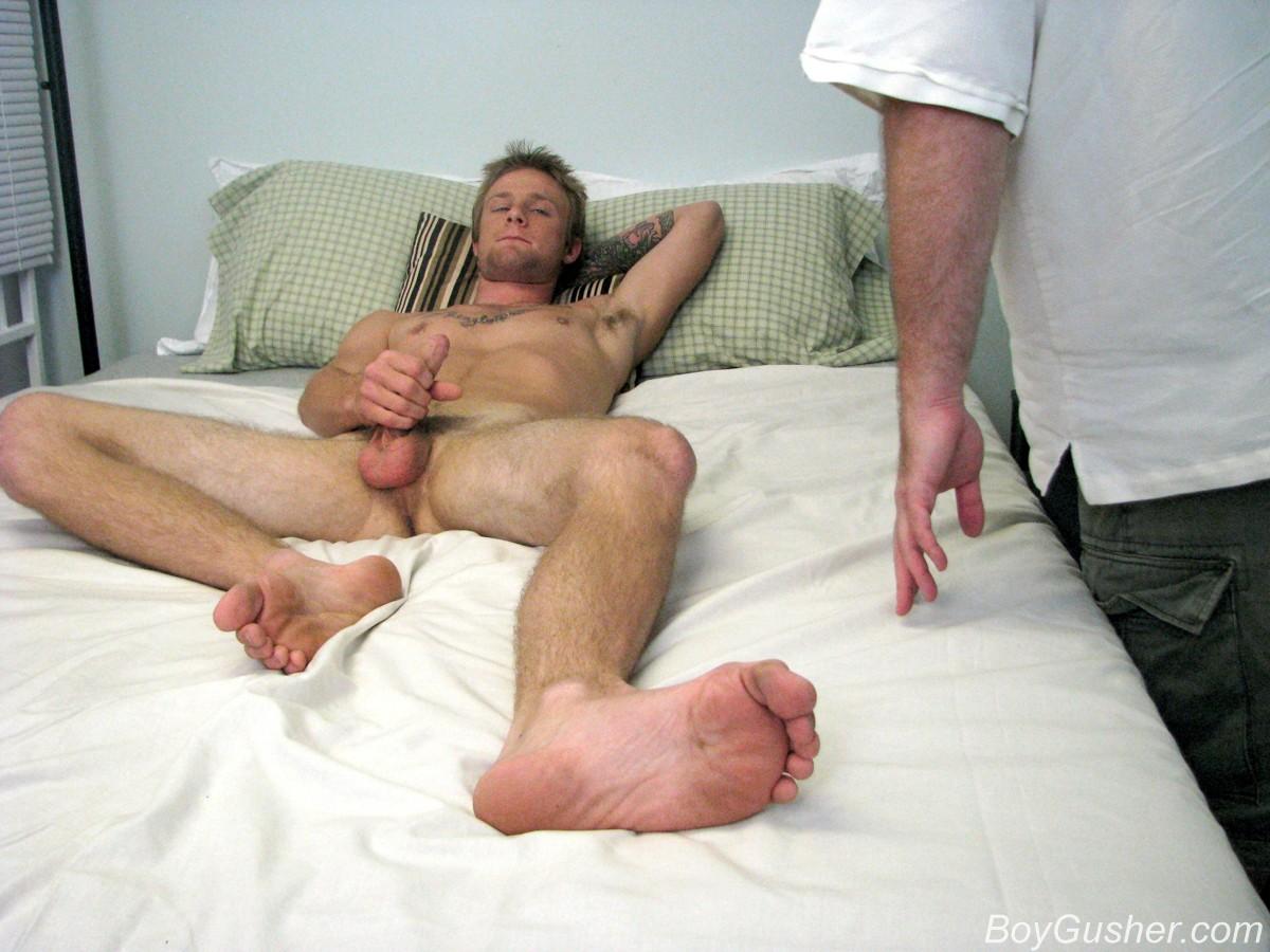 Str8 guy caught wanking