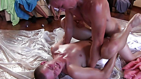 gay and bi male group sex