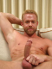 boys sucking his own cock pic
