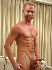 light skin guy jacks off