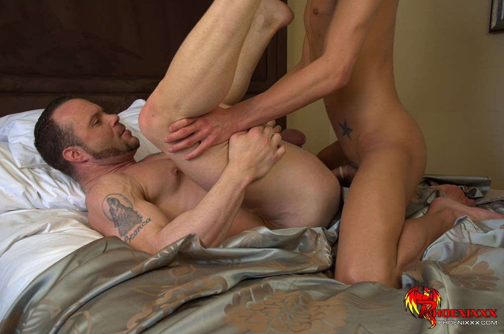 Gay twinks show there naked bubble butts as 2