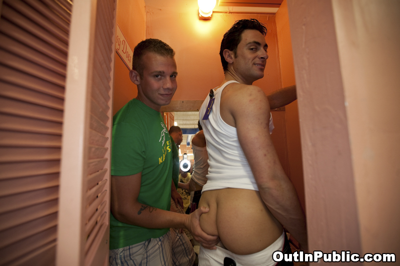 free gay hardcore sex pics012 Slim asian girl getting her body pussy massaged with oil cucumber placed ...