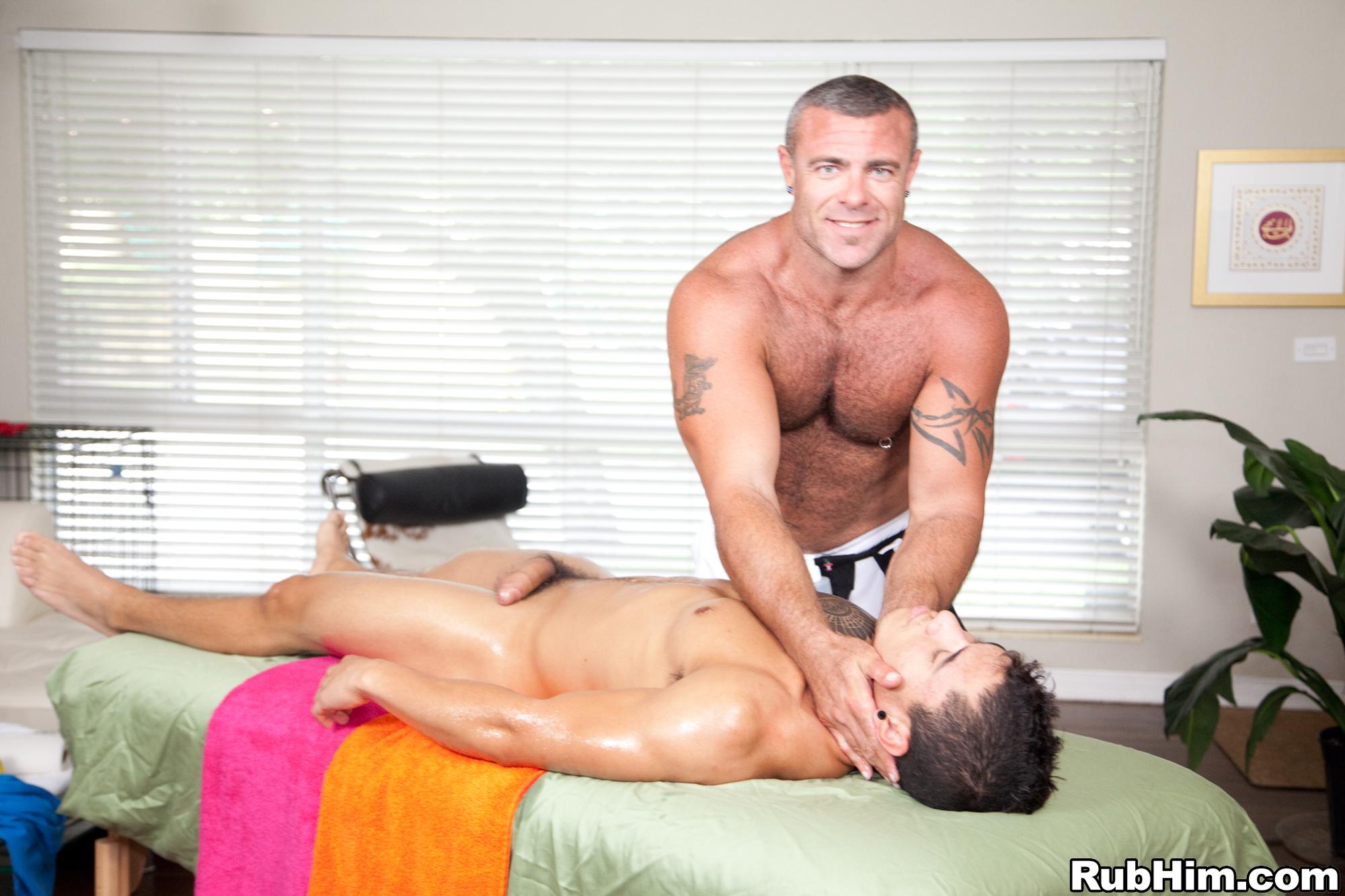 массажист николя гей