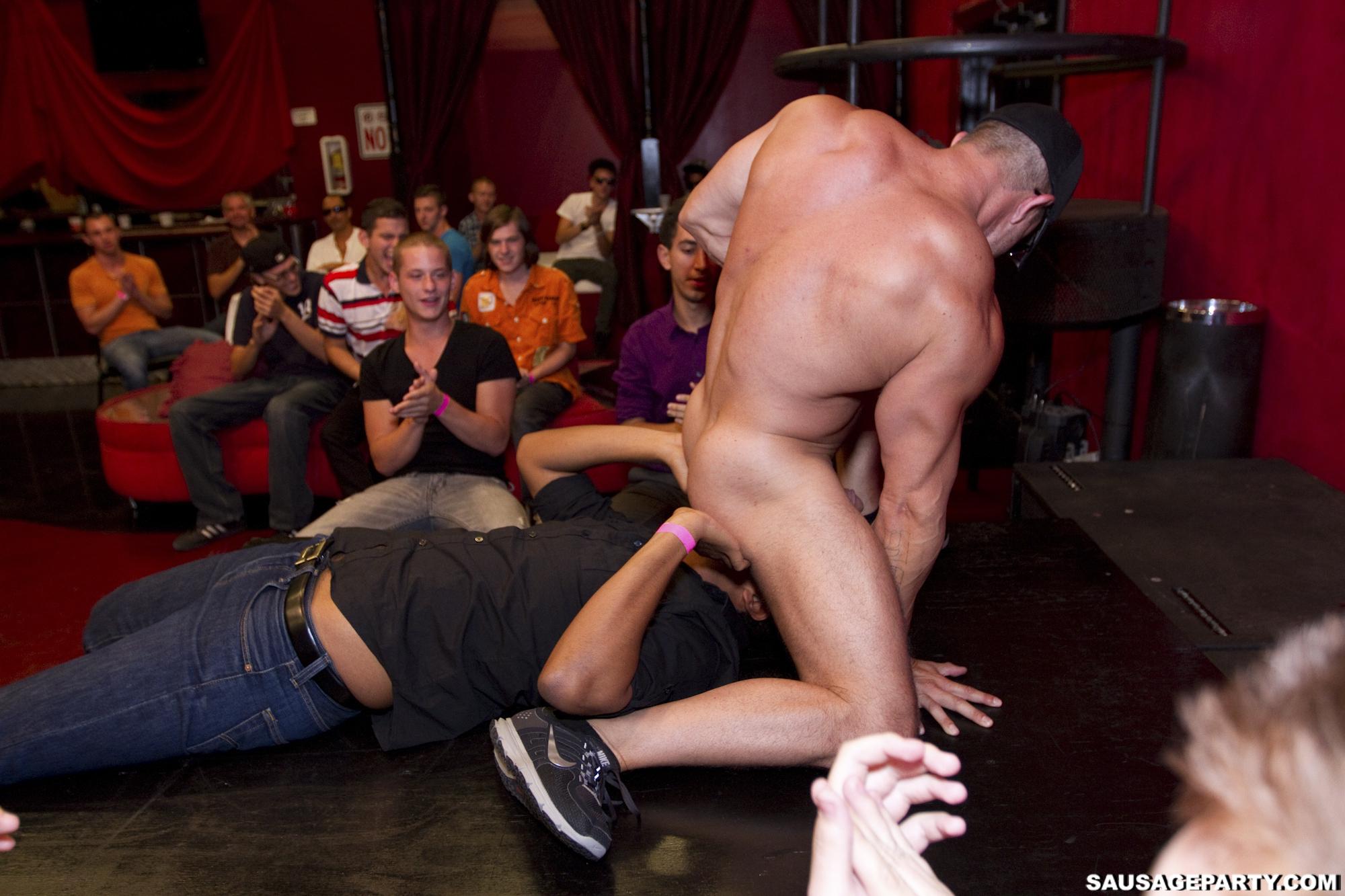 Gay club toronto